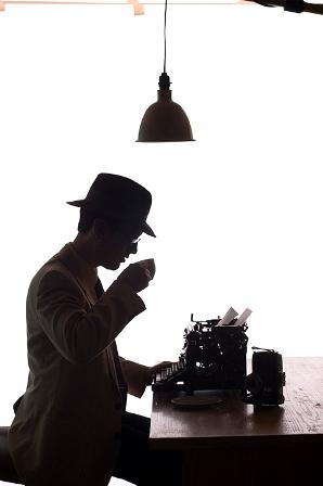 writer_silhouette_web